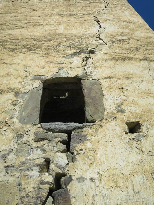 Безенги. Ак-Кала. Вход в башню в южной стене