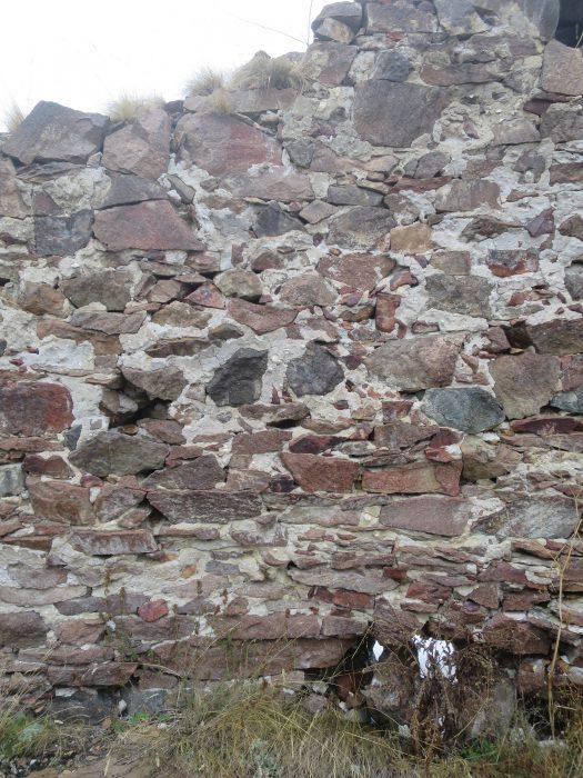 Безенги. Замок Жабоевых. Кладка северной стены
