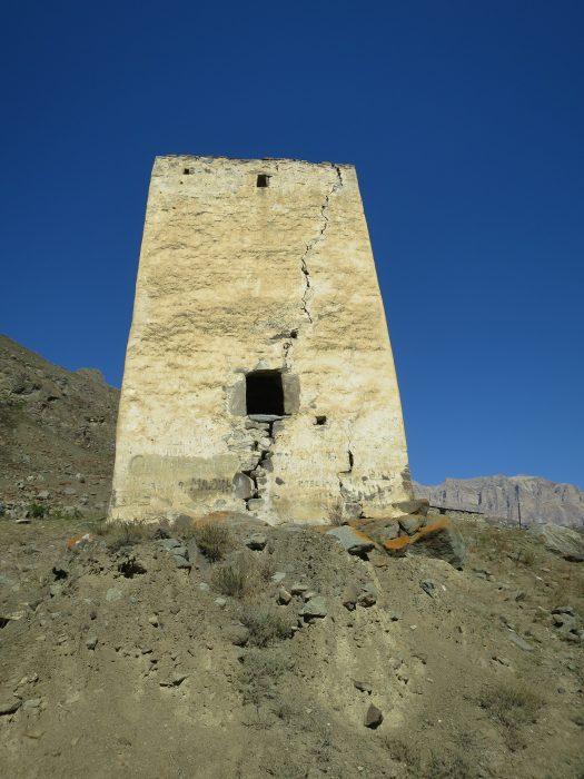 Безенги. Ак-Кала. Южная стена башни