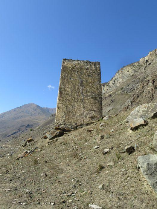 Безенги. Ак-Кала. Восточная стена башни