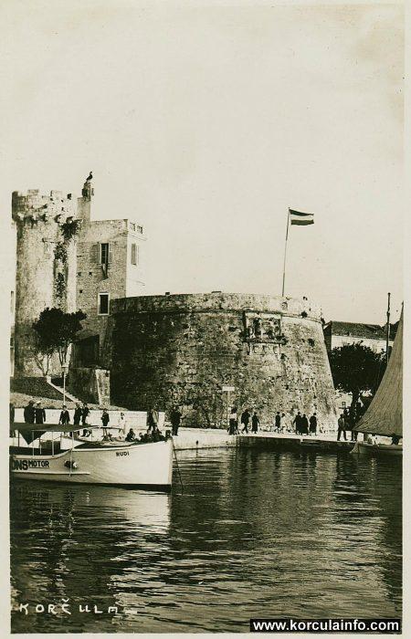 Корчула. Большая Княжеская башня, фото 1920 г.