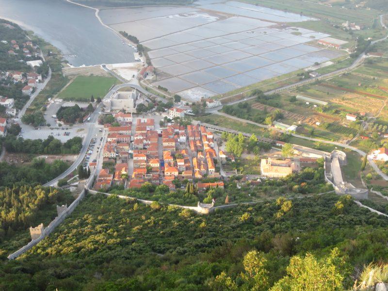 Вид на укрепления города.