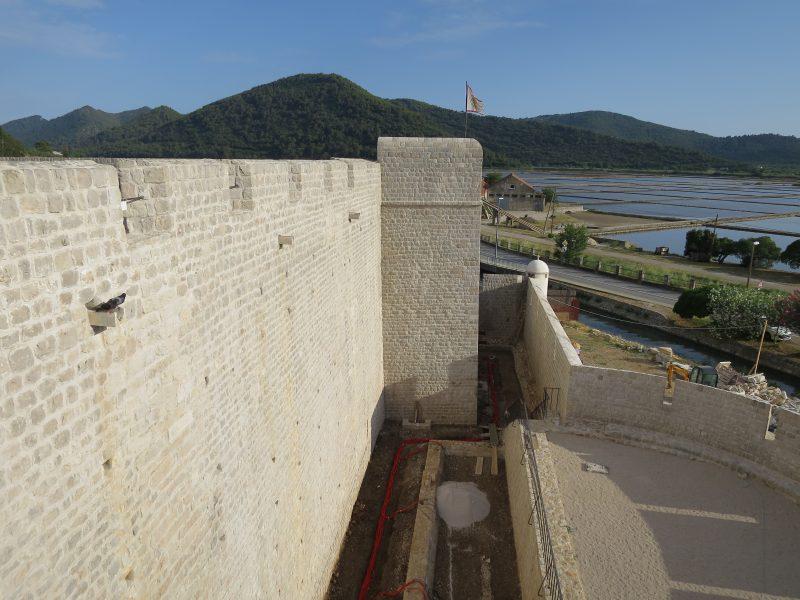 Западная стена крепости.