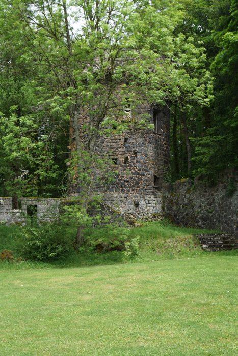 Замок Дофин. Восточная башня