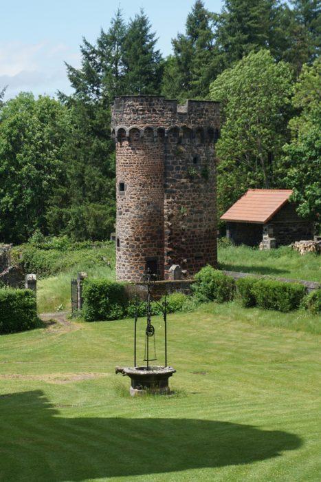 Замок Дофин. Северная башня