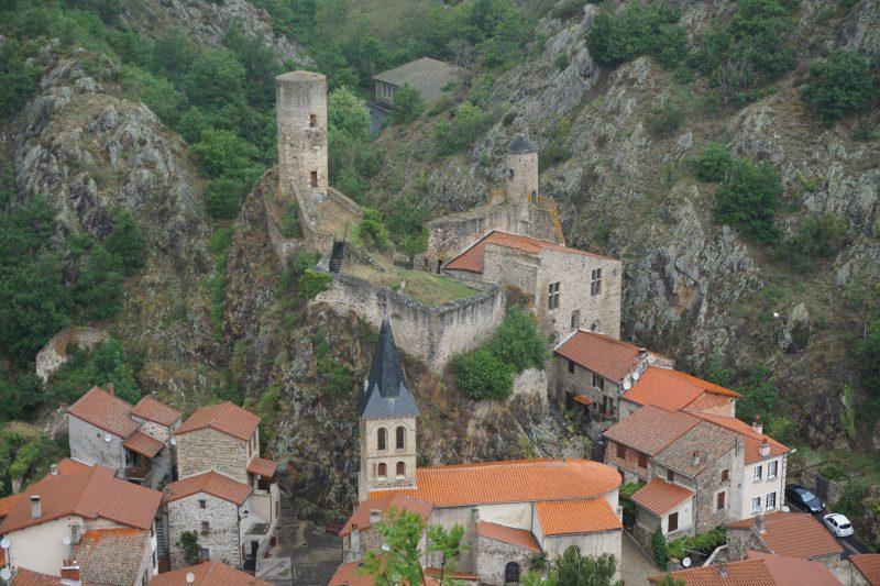 Общий вид на замок