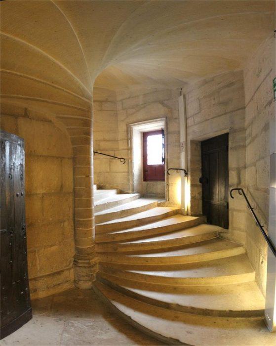 Венсенский замок. Винтовая лестница донжона