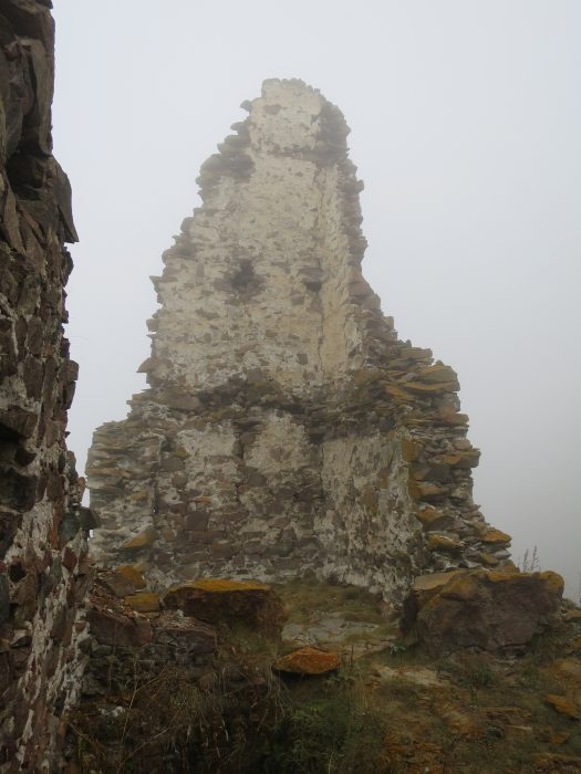 Безенги. Замок Жабоевых. Восточная башня с внутренней стороны