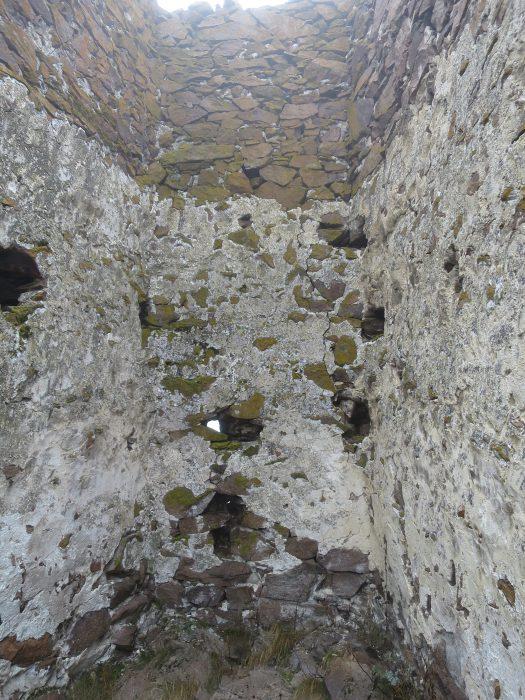 Безенги. Замок Жабоевых. Внутренние стены западной башни