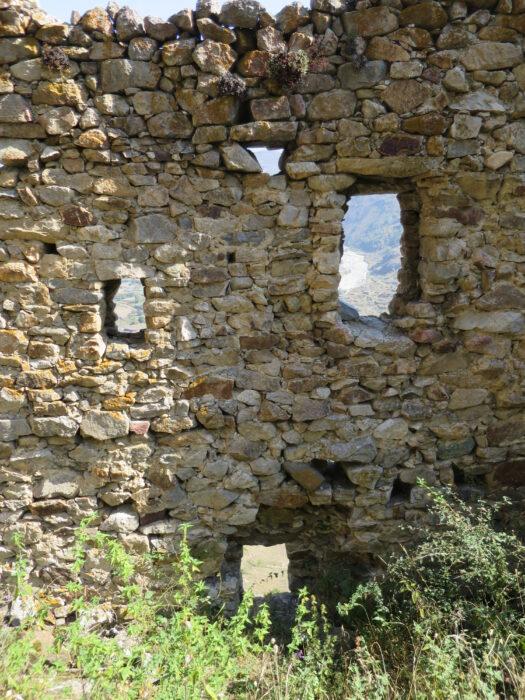 Черекское ущелье. Болат-кала. Несколько уровней обороны внешней стены