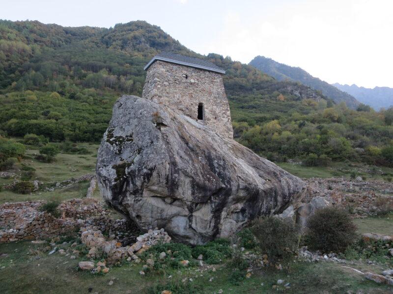 Башня Амирхана с северной стороны