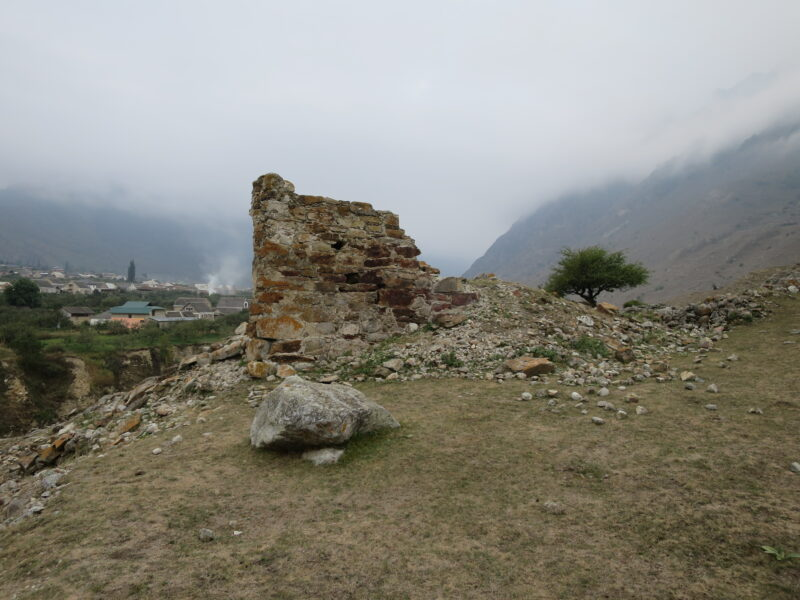 Балкария. Боташ-кала и село Верхняя Балкария
