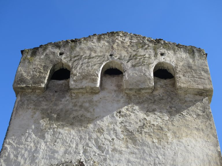 Эльтюбю. Башня Балкауровых. Машикули