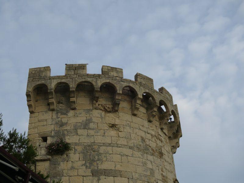 Корчула. Зубчатый парапет башни Закерьян