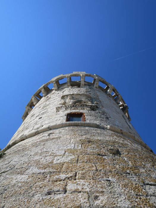 Корчула. Барельеф на башне Закерьян
