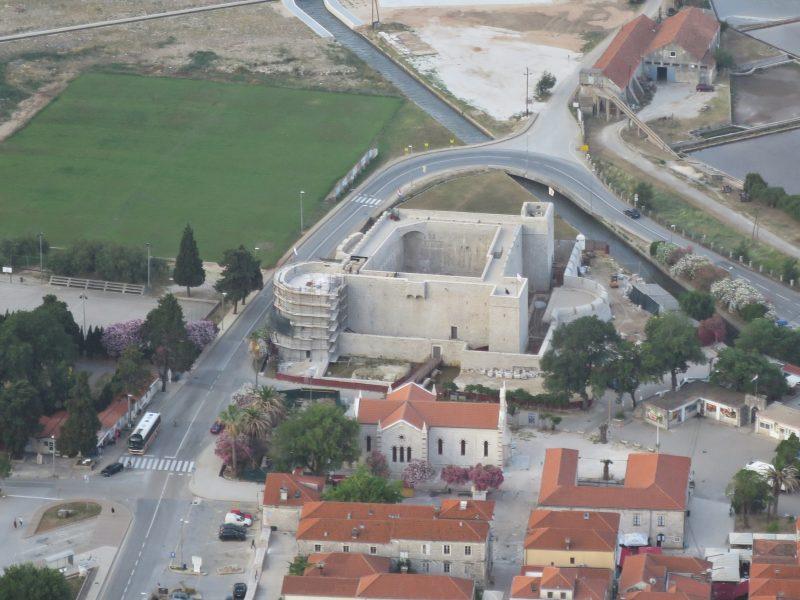 Вид на Велики Каштио со стороны города