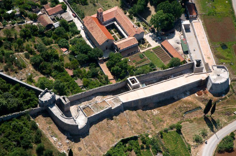 Западный участок стены вид сверху.