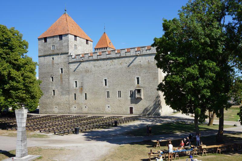 Куресааре. Конвент крепости Аренсбург, северо-западная сторона