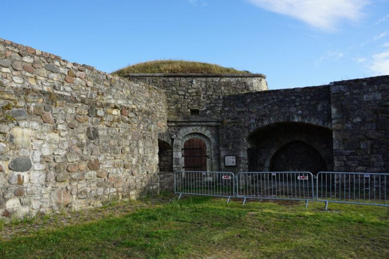 Куресааре. Пороховая башня и заложенные средневековые ворота