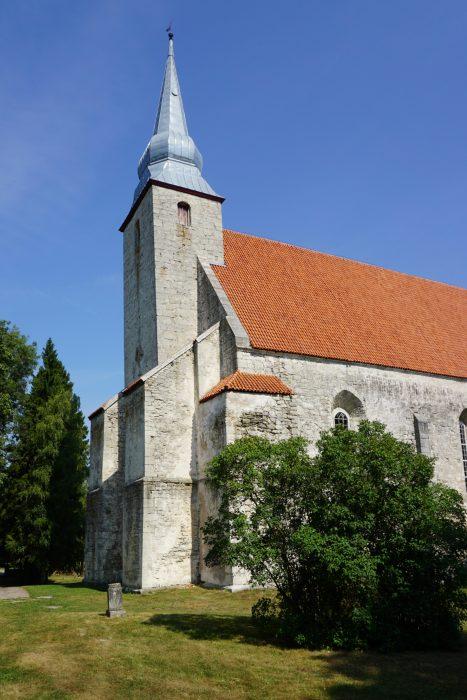 Церковь Каарма