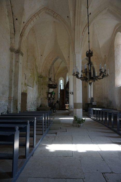 Церкви Сааремаа. Каарма, внутренний интерьер