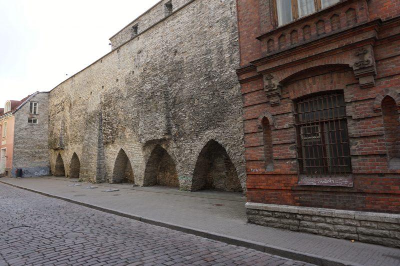 Таллин. Фрагмент стены около башни Бремени