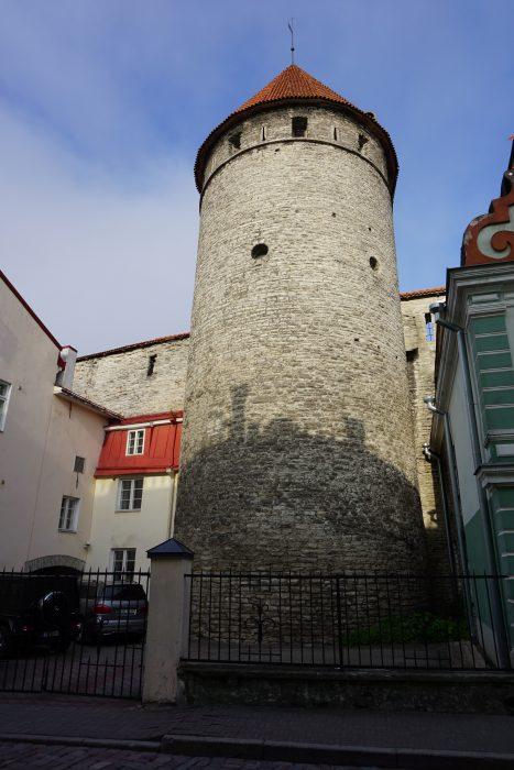Таллин. Башня Хеллемана