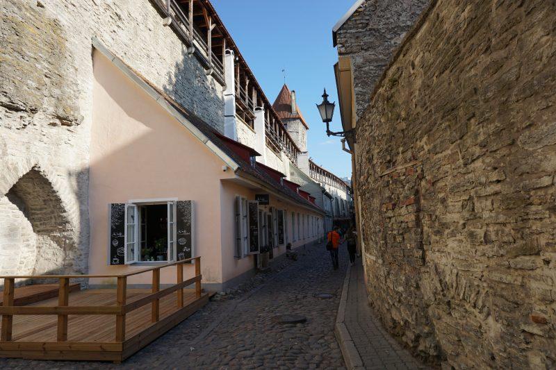 Таллин. Стена от башни Мункадетагуне до Хеллемана