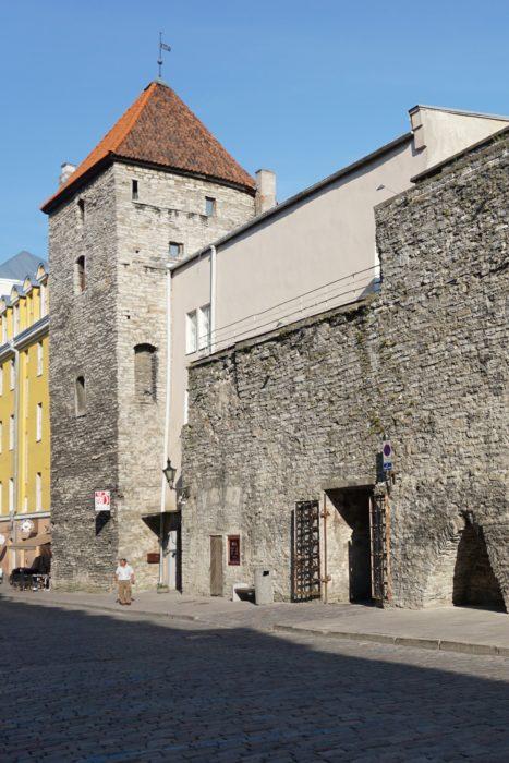 Таллин. Башня Ассауве