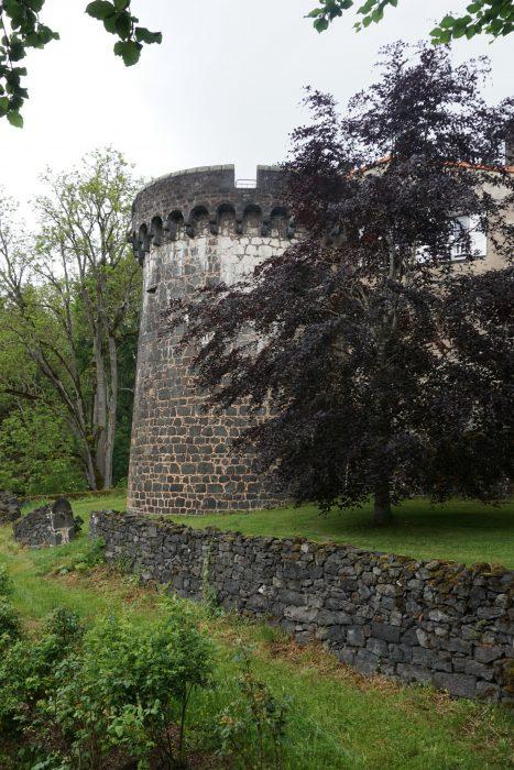 Замок Дофин. Западная башня