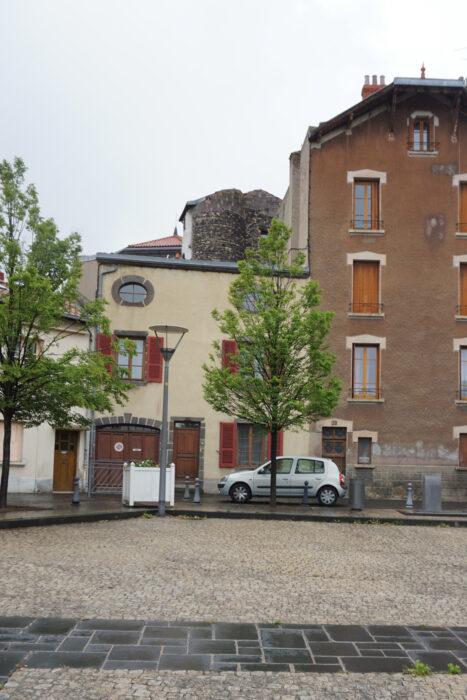 Монферран. Сохранившийся фрагмент башни замка
