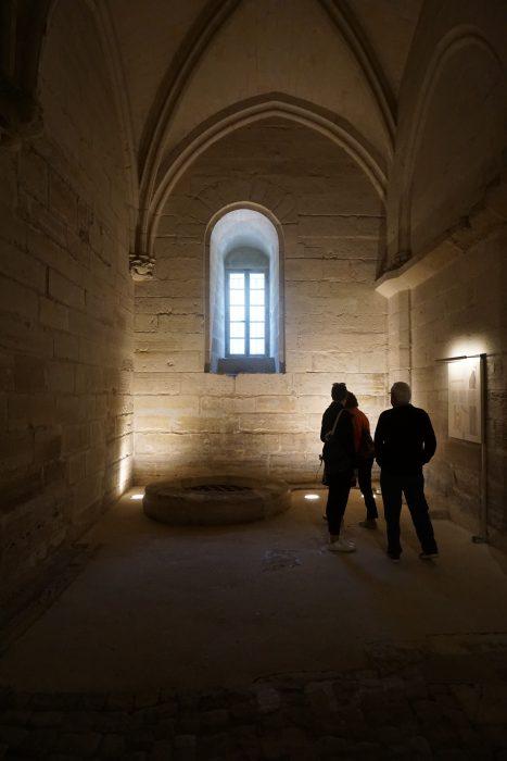 Венсенский замок. Колодец первого этажа