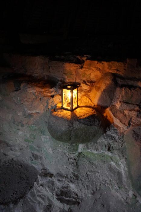 Цесис. Свечной фонарик в стенах замка