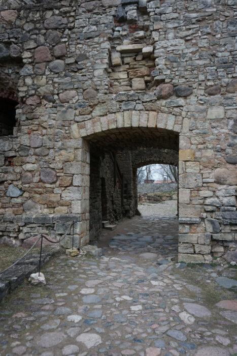 Цесис. Вход в замок с внешней стороны