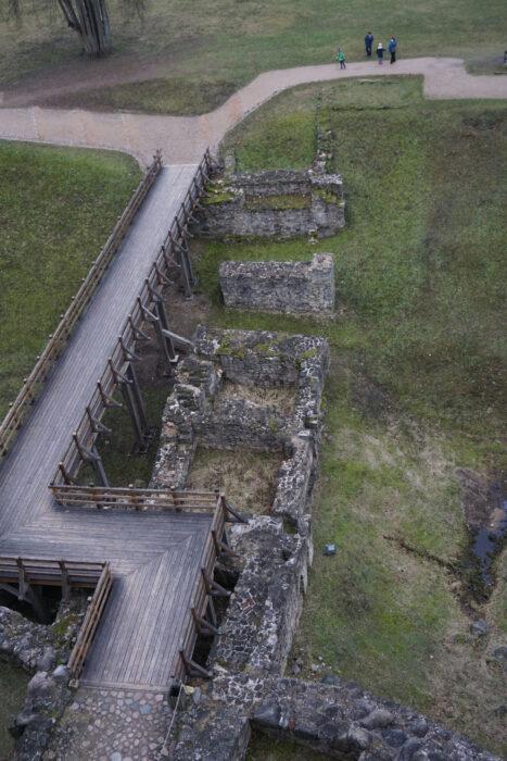Цесис. Руины моста, ведущего ко входу в замок
