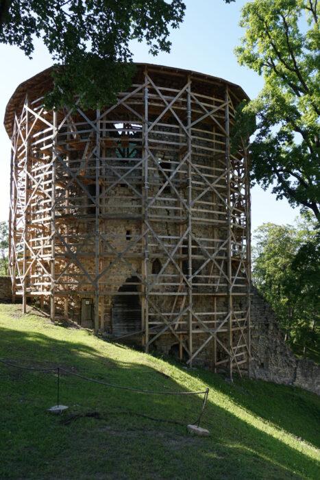 Цесис. Башня в северо-западном углу первого внешнего двора