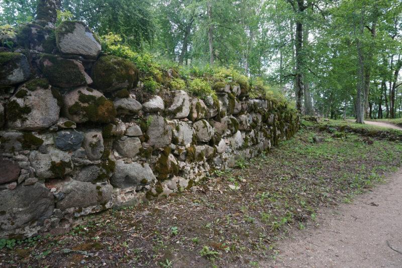 Кримулда. Фрагмент внешней оборонительной стены