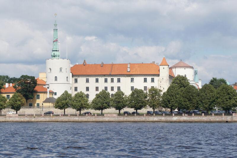 Рижский замок. Вид со стороны Даугавы