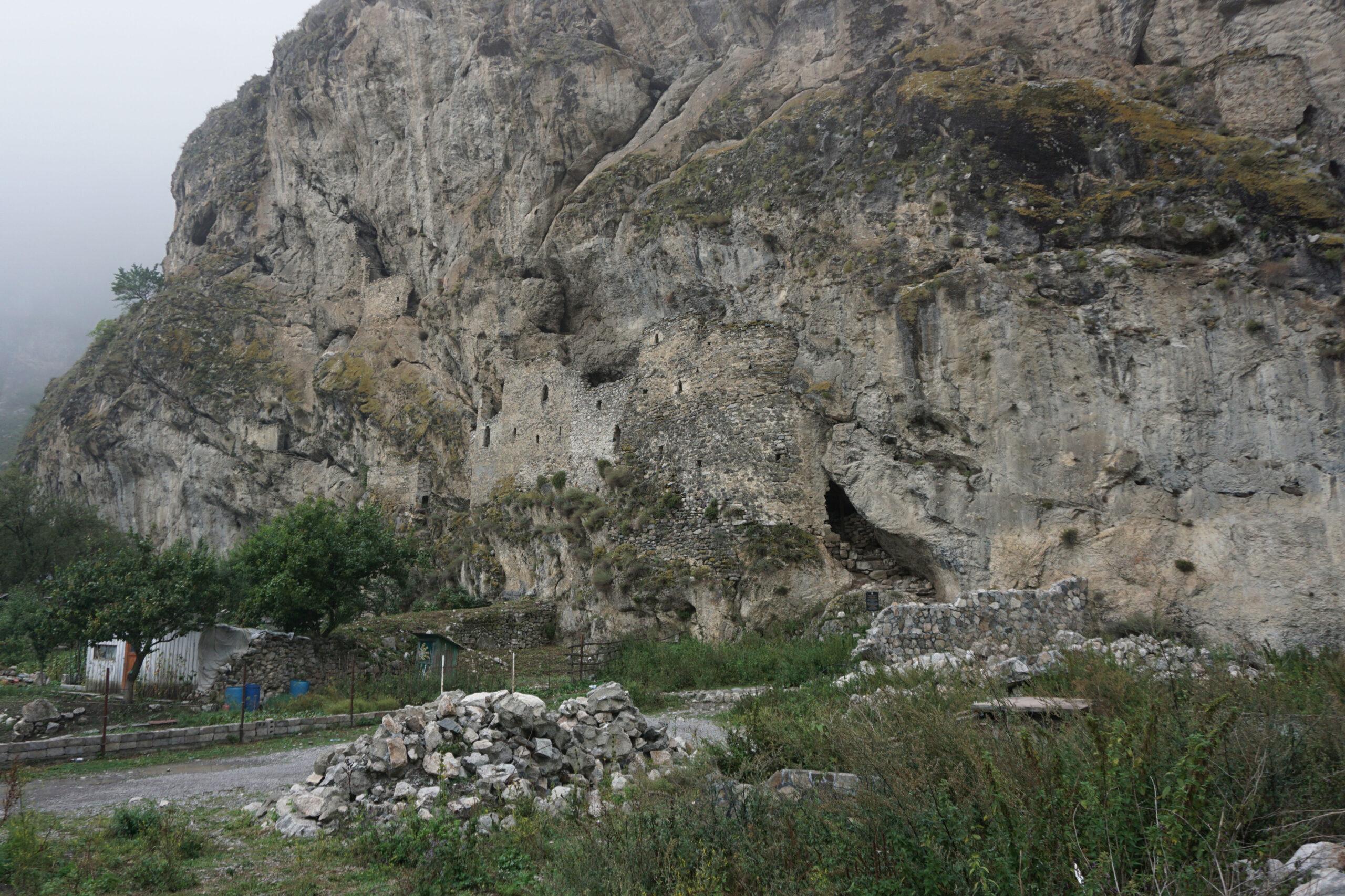 Северная Осетия. Дзивгис. Общий вид крепости