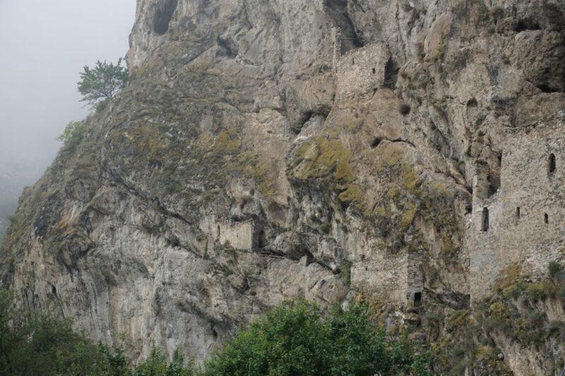 Северная Осетия. Дзивгис. Три фланкирующие башни с восточной стороны